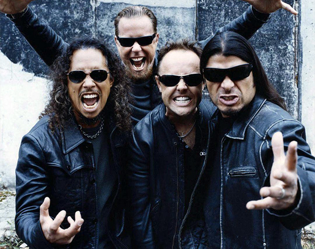 "Metallica – ""Spit out the bone"""