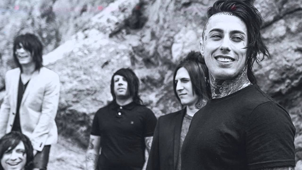 """Falling in Reverse – """"Just like you"""""""