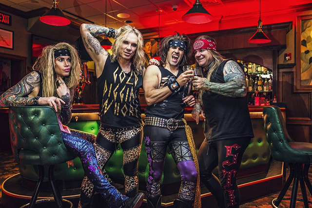 """Steel Panther feat. Robin Zander – """"She's tight"""""""